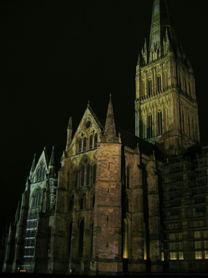 Salisbury Cathedral floodlit at night